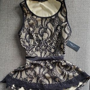 ROMEO + JULIET COUTURE SHEATH LACE TOP